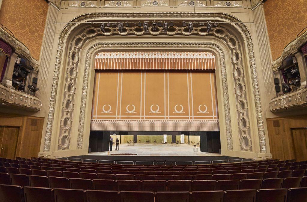 Der historische Littmann-Bau: Über die Frage, ob dort auch künftig große Oper gegeben wird, gibt es im Stuttgarter Rathaus und in der Öffentlichkeit unterschiedliche Ansichten. Foto: Heinz Heiss