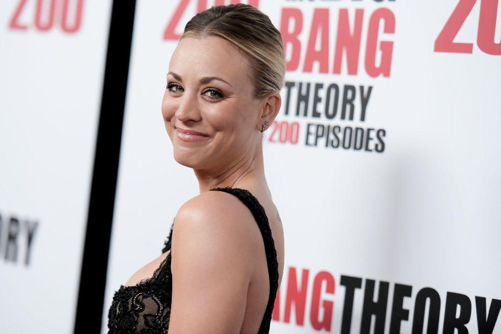 Neben Schauspielerin Kaley Cuoco (Penny Hofstadter) zeigten sich am Sonntagabend bei der Party zur 200. Folge auch die anderen Hauptdarsteller der US-amerikanischen Sitcom The Big Bang Theory. Foto: AP