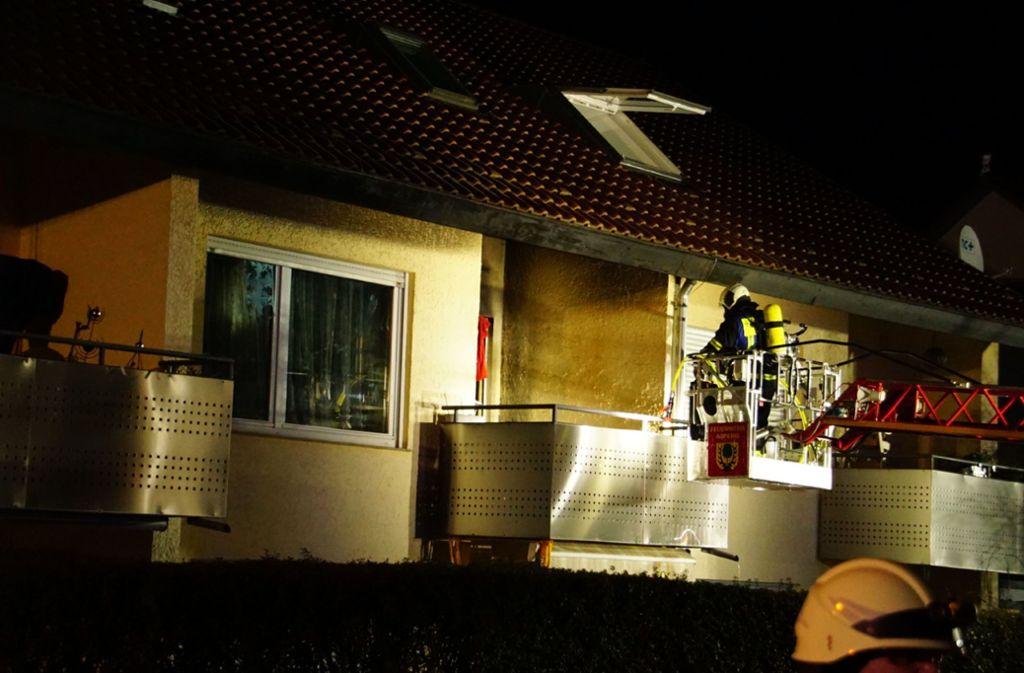 Eine Wohnung ist nach dem Feuer nicht mehr bewohnbar. Foto: SDMG / Hemmann