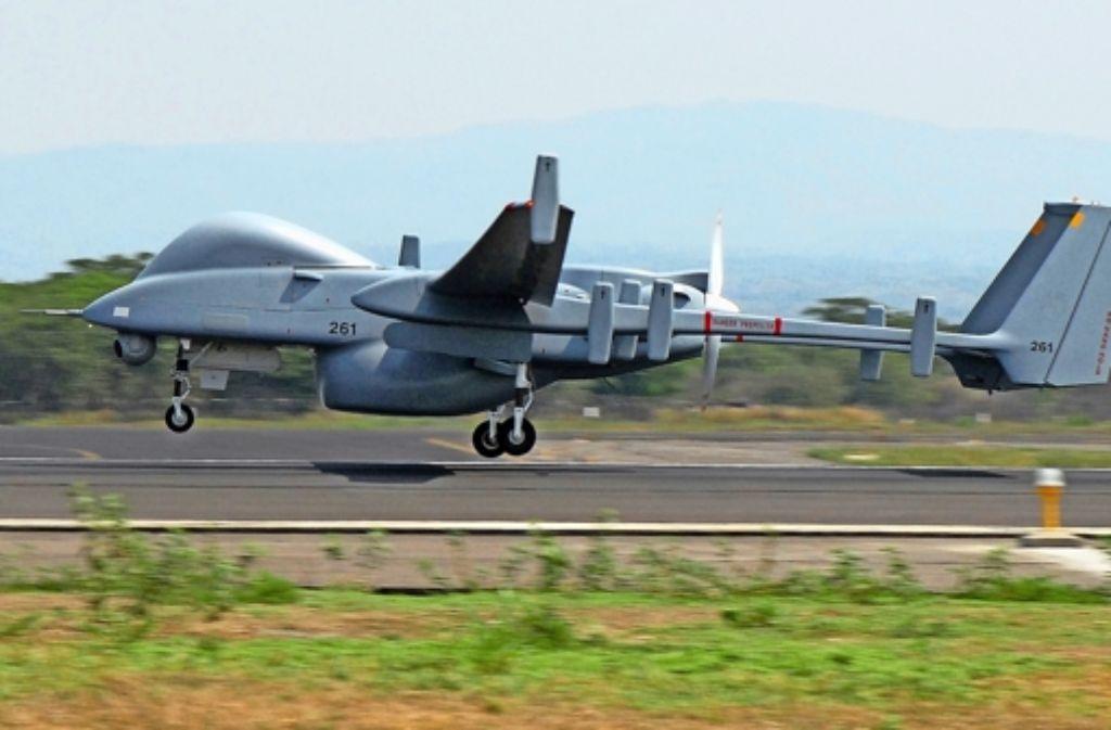 Die Bundeswehr diskutiert den Kauf der israelischen Kampfdrohne Heron TP. Foto: dpa
