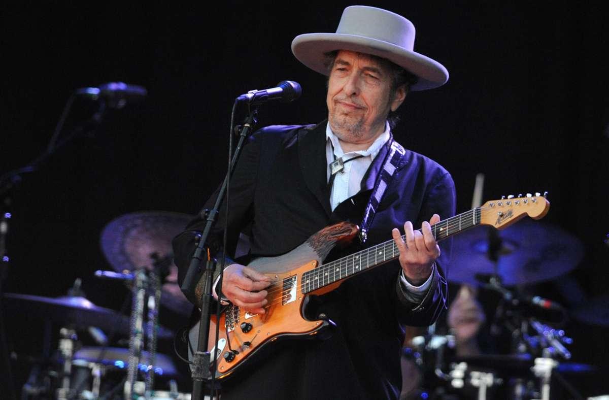 Seinen Hut muss er beim Musizieren nicht mehr aufstellen: Bob Dylan Foto: AFP/Fred Tanneau