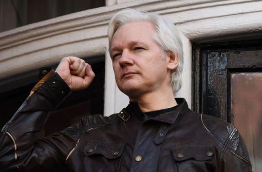 Ecuador bürgert Julian Assange ein