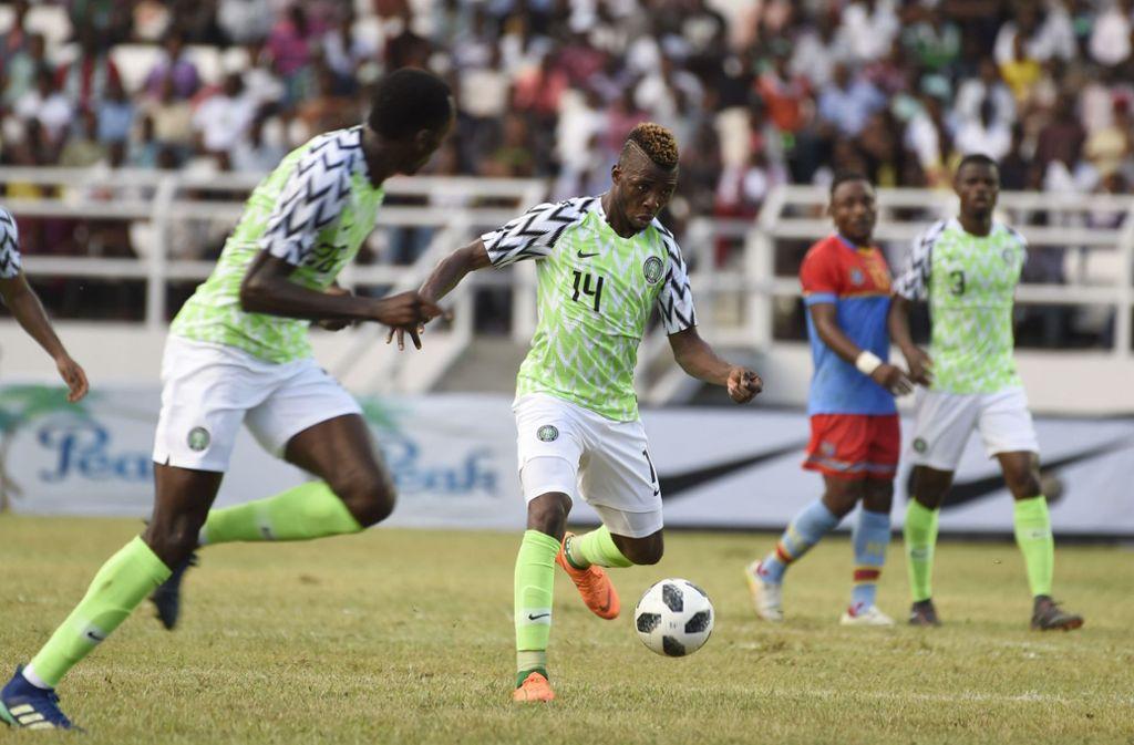 """Im Testspiel gegen die Demokratische Republik Kongo liefen die """"Super Eagles"""" um Kelechi Iheanacho (Mitte) bereits in ihrem neuen Trikot auf. Foto: AFP"""