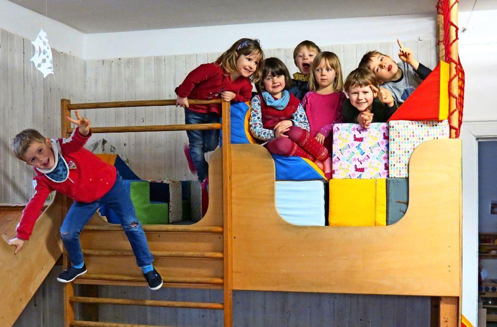 Den Kindern im Kinderhaus Birkach geht es gut: Sie sind in einem schönen Haus untergebracht, haben einen weitläufigen Garten; mittags gibt es selbstgekochtes Essen aus Biozutaten. Doch dafür müssen die Eltern auch einiges an Zeit investieren. Foto: Julia Bosch