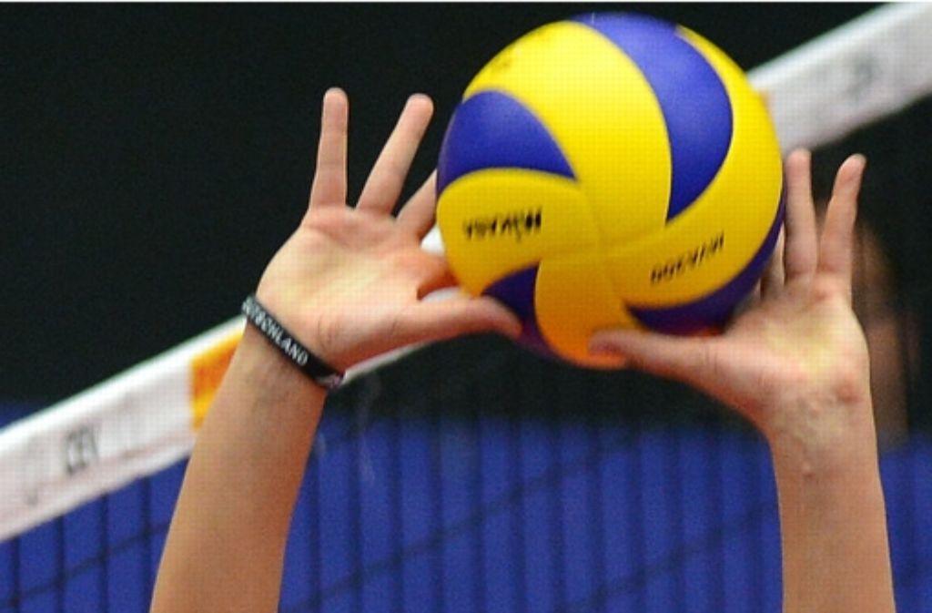 Beim Volleyball ist Fingerspitzengefühl gefragt – auch abseits des Spielfeldes. Foto: dpa
