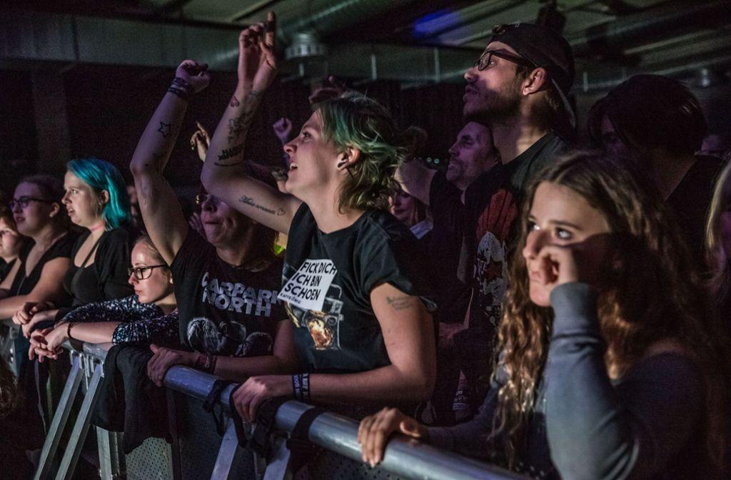 Das Publikum im Wizemann (hier beim Konzert von Carpark North) bekommt jetzt auch schon beim Einlass etwas zu hören Foto: Lichtgut/Julian Rettig