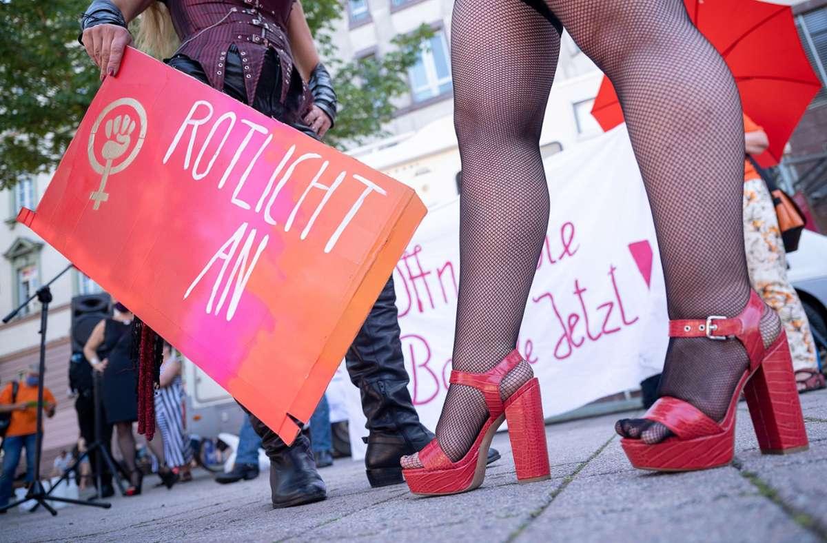 Vielen Prostituierten im Land bleibt nur noch der deutlich gefährlichere Straßenstrich als Alternative. Foto: dpa/Sebastian Gollnow