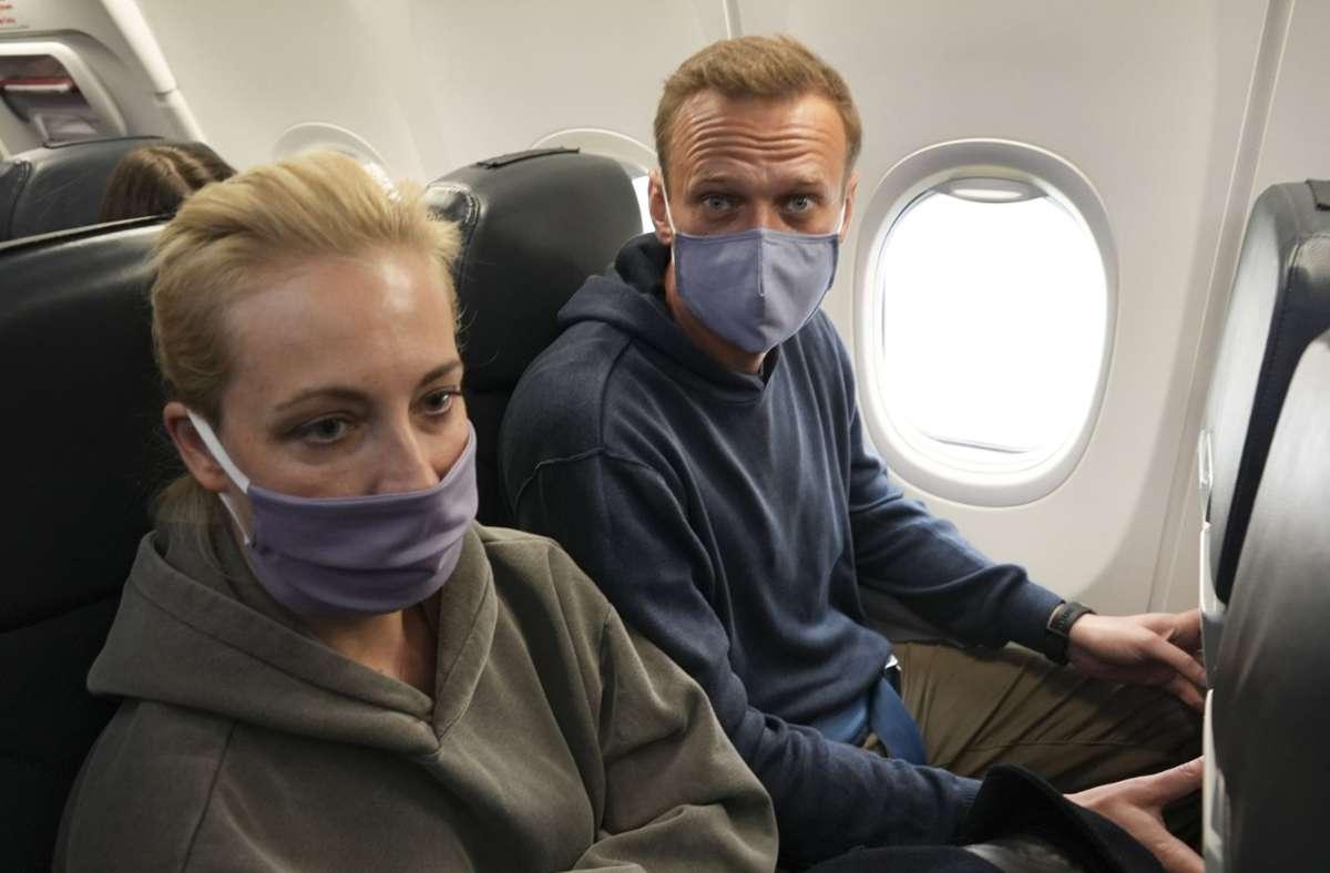 Kremlgegner Alexej Nawalny und seine Ehefrau Julia flogen kürzlich zurück nach Moskau. Foto: dpa/Mstyslav Chernov