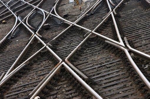 Bauzug blockiert Strecke