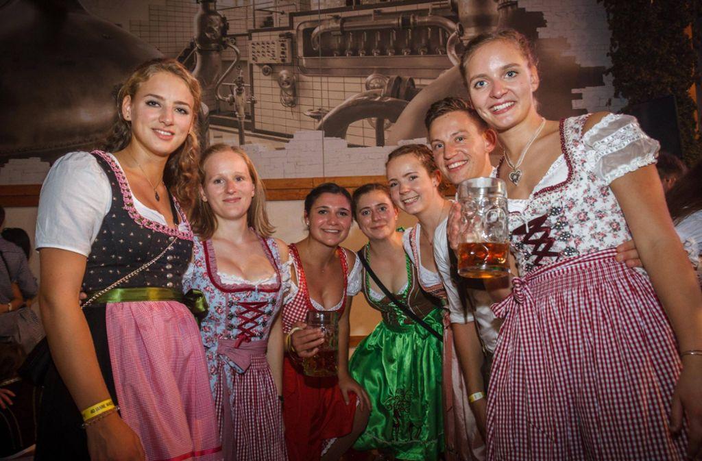 """Bei der Night of the Students feierten die Studenten ausgelassen im Festzelt """"Zum Wasenwirt"""". Foto: 7aktuell.de//Daniel Boosz"""