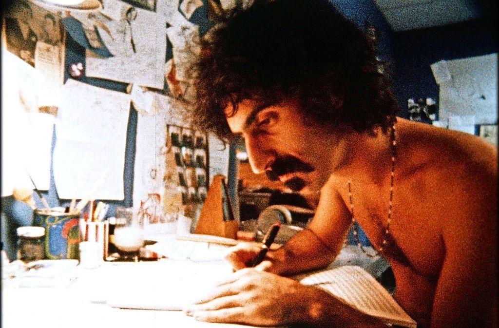 """Filmschau am Freitag: Ein Bürgerschreck sehnt sich nach Anerkennung als Komponistim Dokumentarfilm """"Frank Zappa:  Eat that Question"""" Foto: Filmschau"""