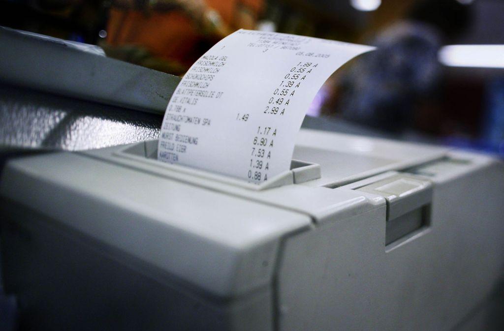 Viele Kassensysteme drucken automatisch einen Kaufbeleg aus. Foto: SDMG
