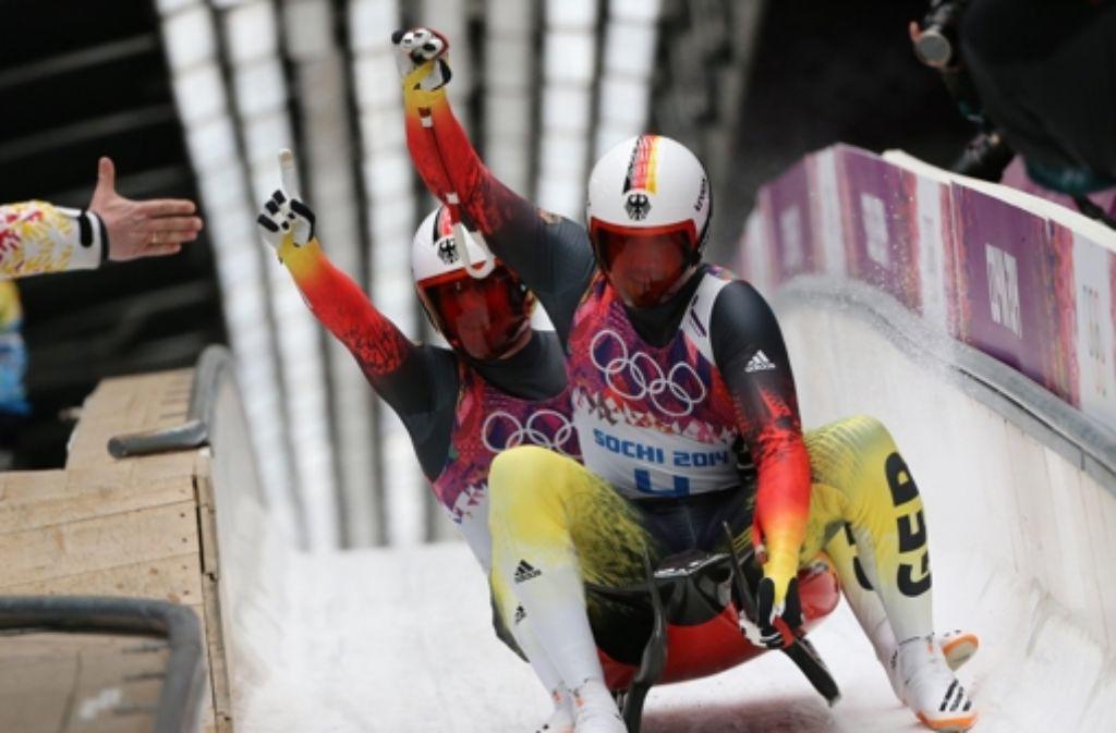 Die Rodler Tobias Wendl und Tobias Arlt haben in Sotschi die Goldmedaille gewonnen. Foto: dpa