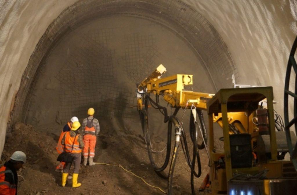 Im Tunnel am Zwischenangriff Prag wird mittlerweile auch mit Sprengungen gearbeitet. Dann berichten Nachbarn von Staubwolken. Foto: Fritzsche