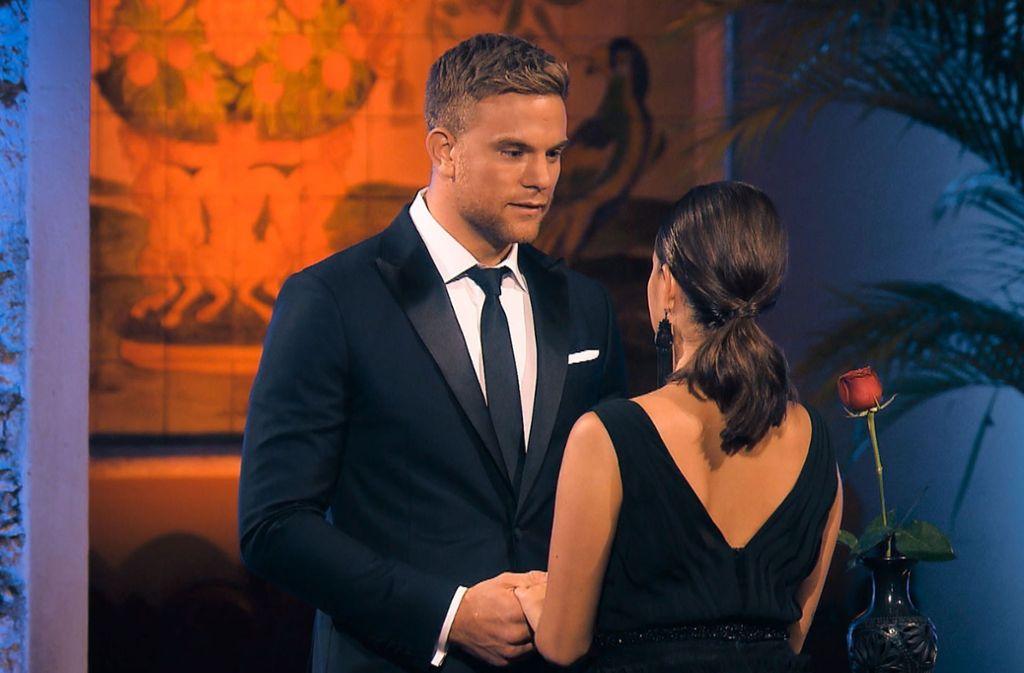 Bachelor Sebastian  Preuss konnte sich für keine der Damen entscheiden und schickte auch Diana ohne Rose nach Hause Foto: RTL/TVNOW