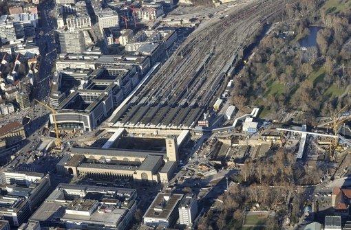 Verkehrsclub Deutschland und Pro Bahn legen Pläne für einen Ausbau der Schienenwege in Stuttgart vor. Sie plädieren auch für einen Teilerhalt des Stuttgarter Kopfbahnhofes. Foto: Werner Kuhnle