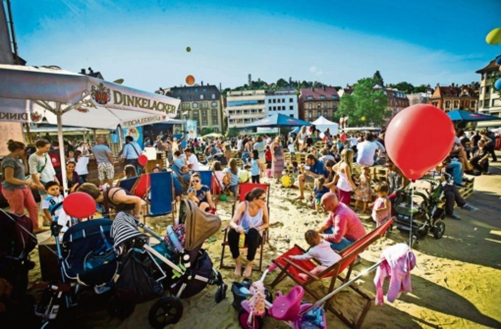 Das Fest ist im Viertel beliebt – auch wenn   Anwohner über Lärm klagen. Foto: Achim Zweygarth