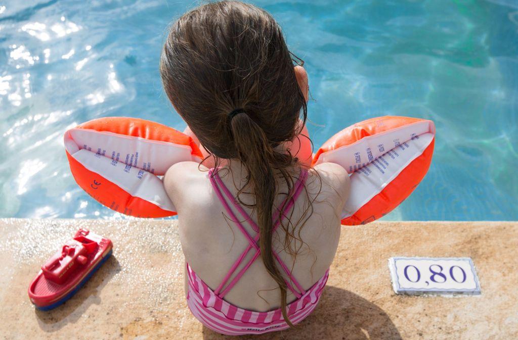 Schwimmkurse sind in Stuttgart oft ausgebaucht. Foto: dpa