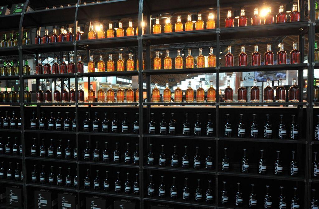 Die Diebe hatten es auf hochwertige Spirituosen abgesehen. (Symbolbild) Foto: imago images/Manfred Segerer/Manfred Segerer via www.imago-images.de