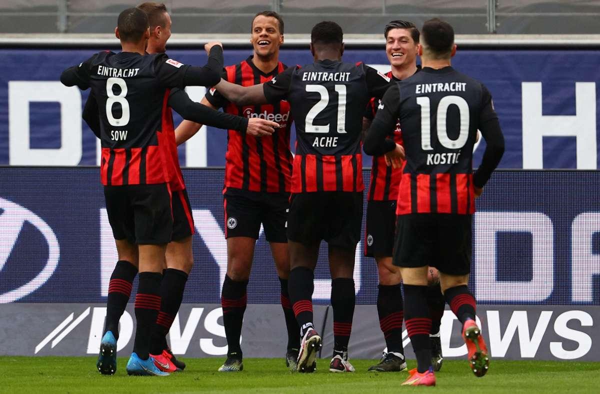 Frankfurter Jubel – die Eintracht bleibt auf Champions-League-Kurs. Foto: AFP/Kai Pfaffenbach