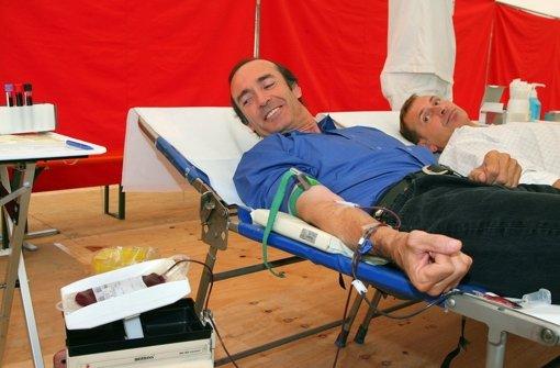 Auch der ehemalige Turner Eberhard Ginger (hier bei einer Blutspende) ist oft Gast beim umstrittenen Arzt Armin Klümper gewesen. Foto: dpa