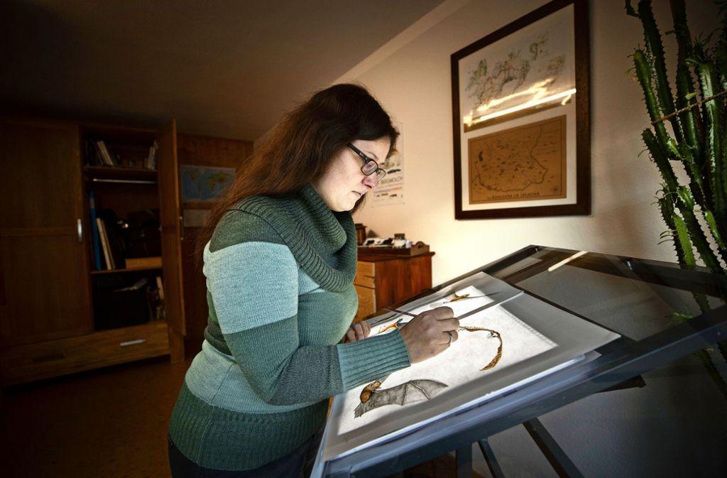 Martina Nowak bei der Arbeit in ihrem Studio in Murrhardt Foto: Gottfried Stoppel
