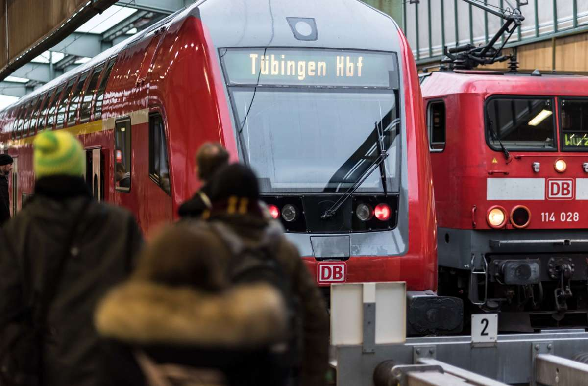 Auch Berufspendler zwischen Stuttgart und Tübingen können von den neuen Zeitkarten des BW-Tarifs profitieren. Foto: Lichtgut/Max Kovalenko