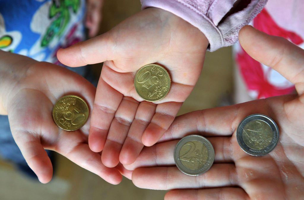 In vielen Familien reicht das Geld nicht mehr bis Monatsende. Foto: dpa/Patrick Seeger