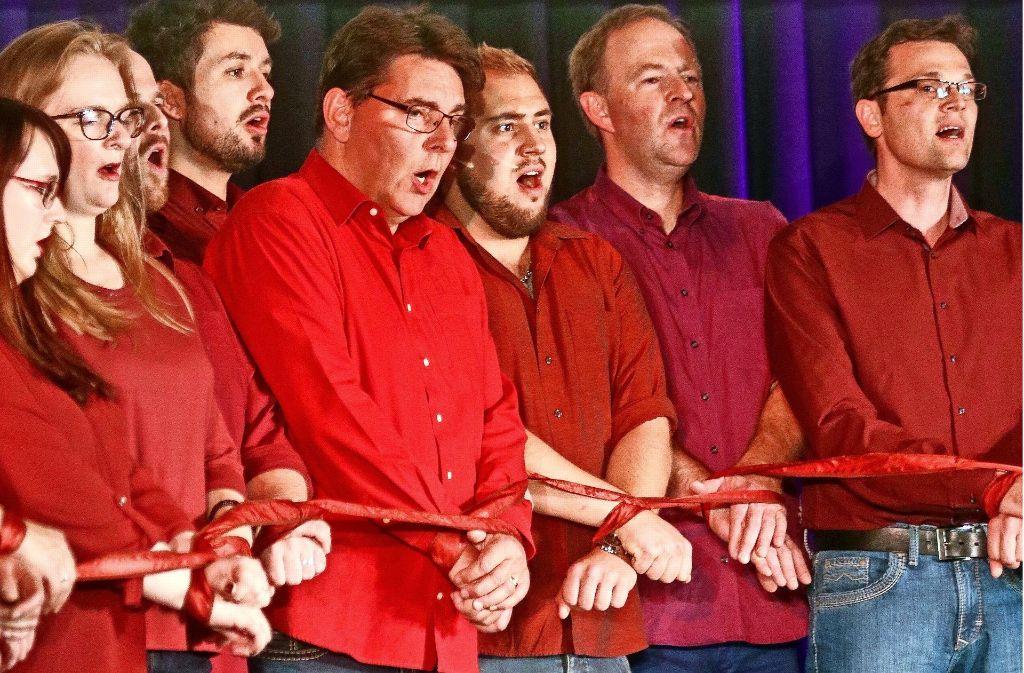Performance und Singen – das gehört für die Chöre zusammen. Foto: factum/Granville