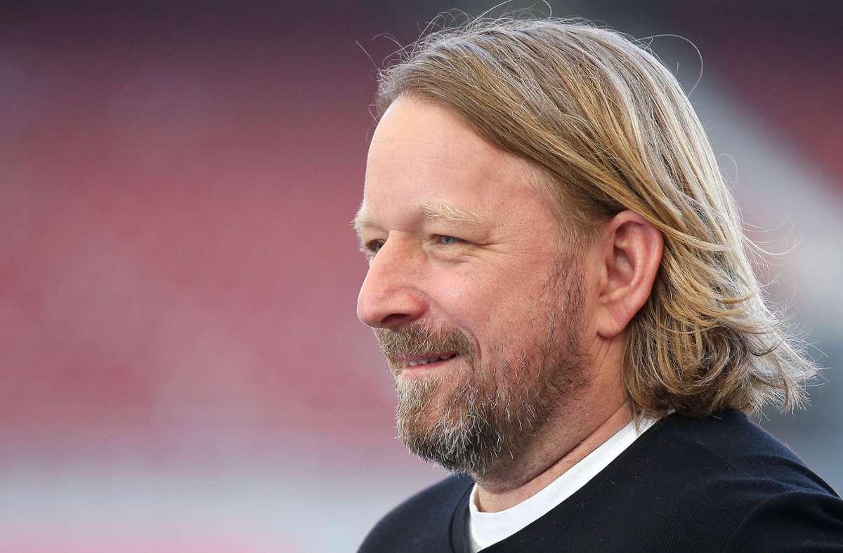 VfB-Sportdirektor Sven Mislintat lobt Orel Mangala. Foto: Pressefoto Baumann/Alexander Keppler