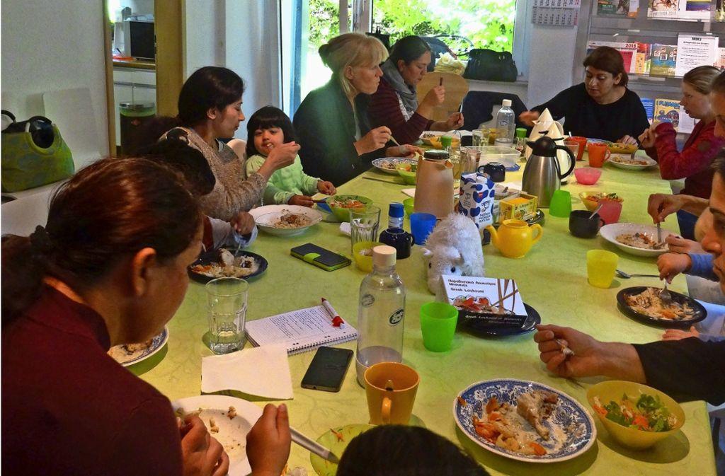 Das Mittagessen gibt dem Miki in Stuttgart-Birkach hseinen Namen. Aber es geht um viel mehr. Foto: Theresa Ritzer