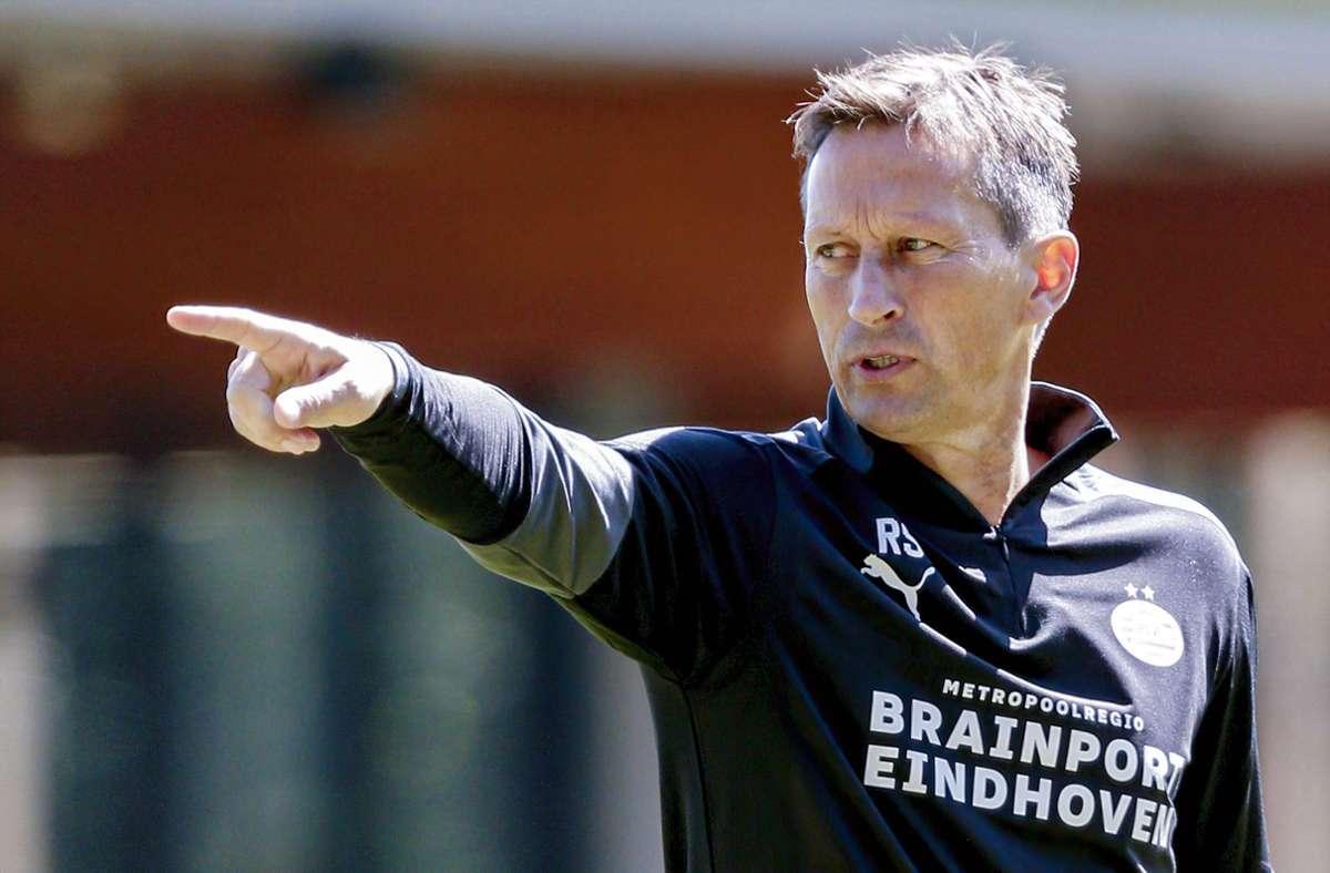 Gibt nun  beim niederländischen Traditionsclub PSV Eindhoven die Richtung vor: Roger Schmidt.  Foto: imago/Pro shots