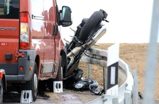 Vater und Sohn sterben bei Motorradunfall