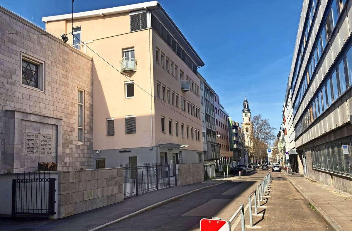 Zwischen Synagoge und  GWG-Gebäude soll  ein repräsentativer     Platz entstehen. Foto: Haar