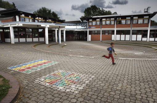 240 Schüler ziehen wegen Schimmels um
