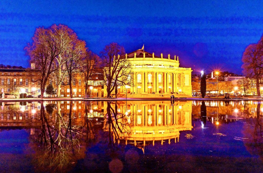 Ein Juwel am Stuttgarter Eckensee und zwar ein äußerst kostspieliger: Die Staatsoper Stuttgart. Foto: imago/Arnulf Hettrich