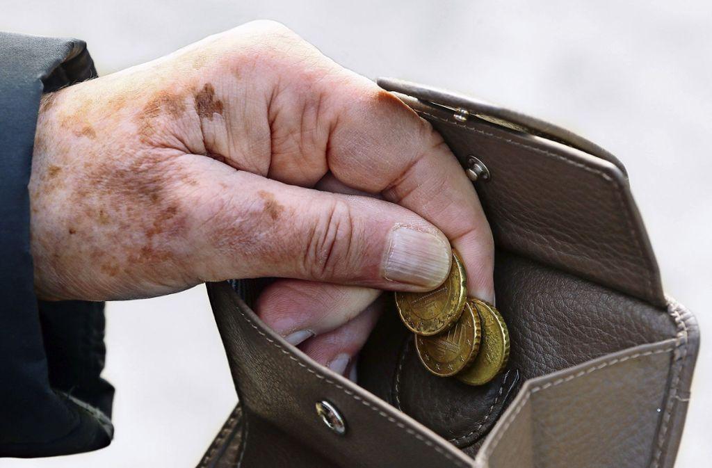Viele Rentner müssen jeden Cent umdrehen. Foto: Picture Alliance//Stephanie Pilick