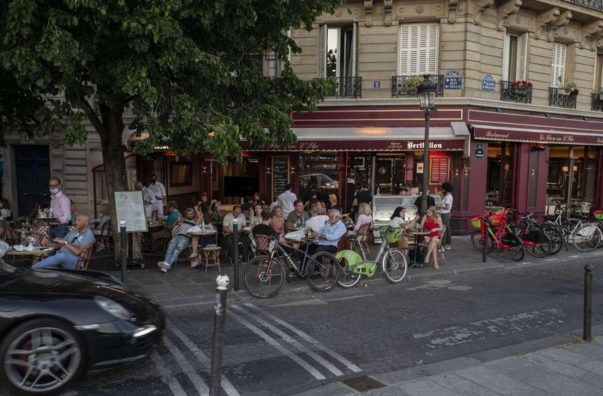 Frankreich lockert weiter seine Corona-Beschränkungen. Foto: dpa/Rafael Yaghobzadeh