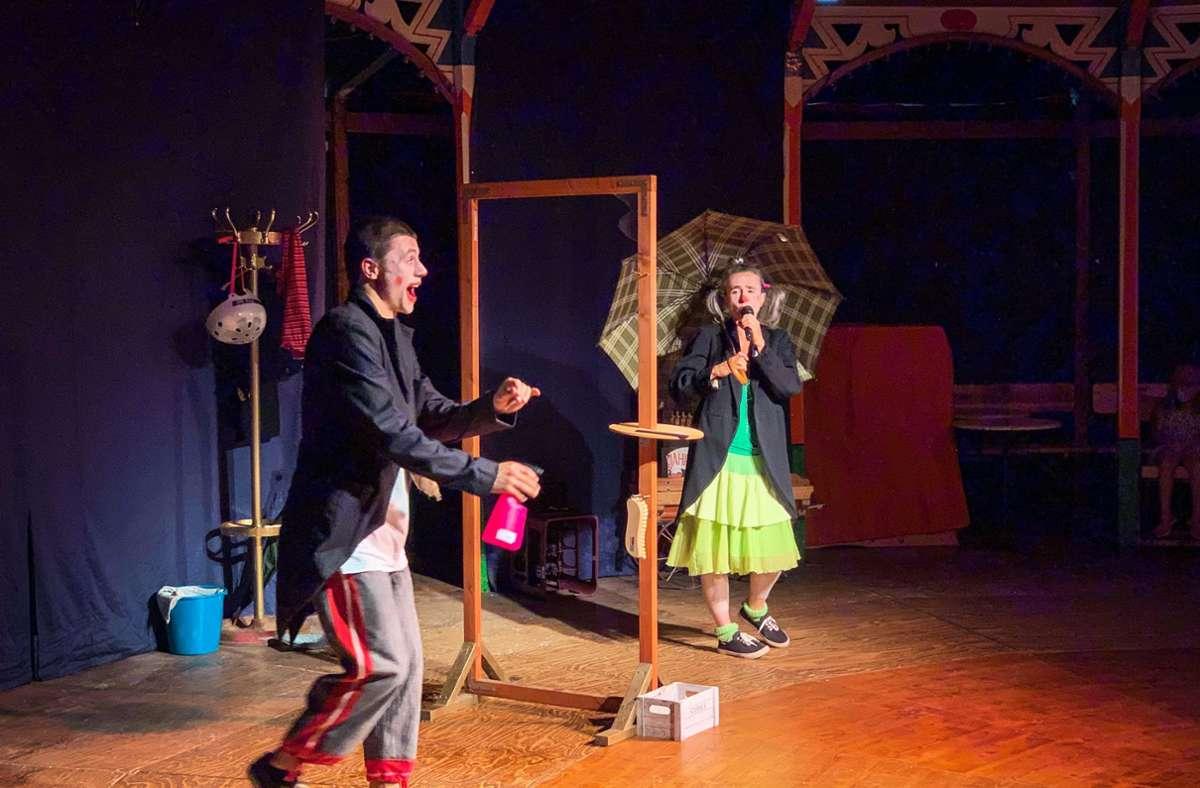 Mutter und Sohn: Clown Nino und Clownin Eliszi Foto: Lichtgut/Lichtgut/Julia Schenkenhofer