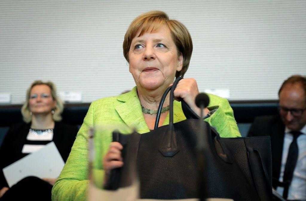 Bundeskanzlerin Angela Merkel in der Unions-Fraktionssitzung im Bundestag. Merkel hat für die von der SPD verlangte Abstimmung über die Ehe für alle den Fraktionszwang in der Union aufgehoben. Foto: dpa