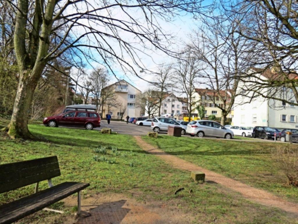 Als Standort für einen Aldi ist offenbar der Parkplatz an der Felix-Dahn-Straße im Gespräch. Foto: Judith A. Sägesser/dpa