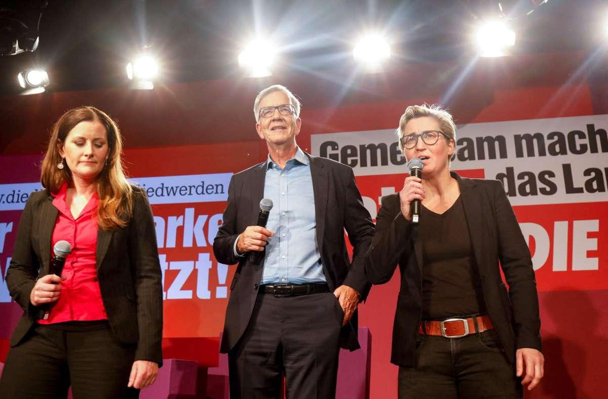 Müssen eine Wahlklatsche verdauen: Janine Wissler (von links), Dietmar Bartsch und Susanne Hennig-Wellsow. Foto: AFP/JAN ZAPPNER