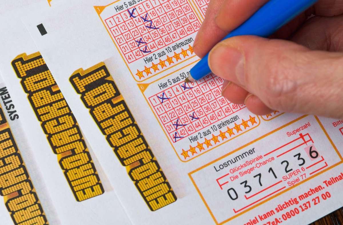 38 Millionen Euro hat ein unbekannter Tipper aus Ludwigsburg gewonnen. Foto: imago images/Schöning/ via www.imago-images.de