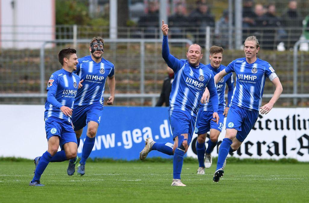 Zweimal hatten die Spieler der Stuttgarter Kickers Grund zum Torjubel. Foto: Pressefoto Baumann/Pressefoto Baumann
