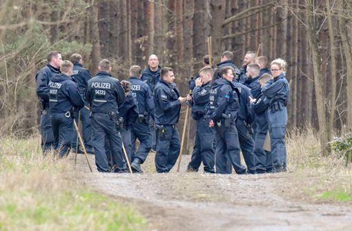 Fall Rebecca - Polizei durchkämmt Wald in Brandenburg