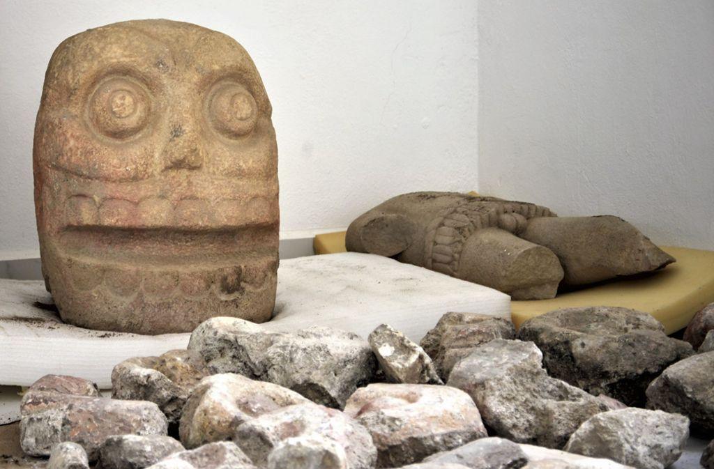 Xipe Tótec war der Vegetationsgott der Azteken. Dargestellt wird Xipe Tótec mit roter Körperbemalung und mit einer Menschenhaut. Foto: AP