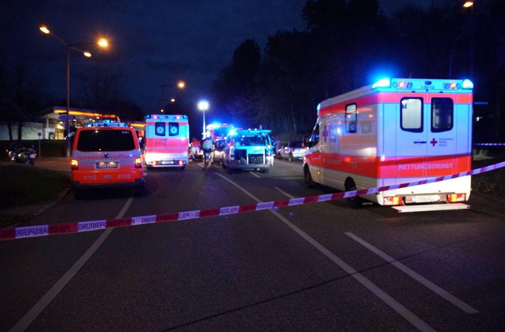 Unfallort im Seeblickweg: Für eine 80-jährige Passantin kam jede Hilfe zu spät. Foto: 7aktuell/Nils Reeh