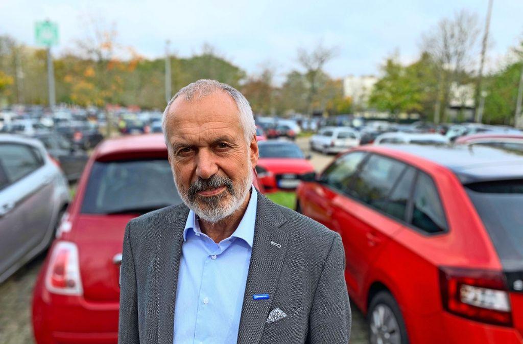 Manfred Wacker und sein Team arbeiten am emissionsfreien Unicampus. Dazu müssen Parkplätze verschwinden. Foto: Götz Schultheiss