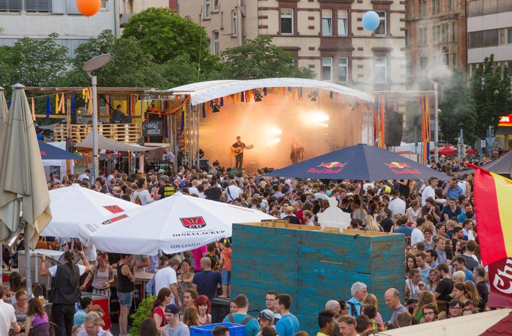 Freier Eintritt, gute Gewinne: das Marienplatzfest in Stuttgart (hier ein Bild von 2016). Foto: Lichtgut/Julian Rettig