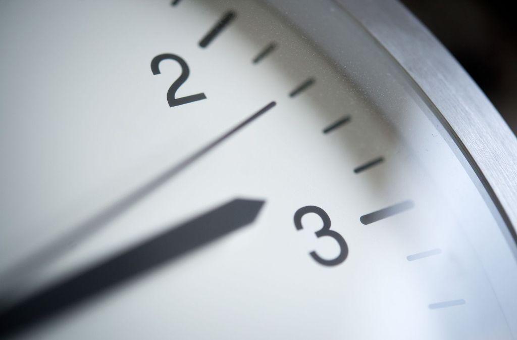 Am 26. März 2017 werden die Uhren von 2 Uhr auf 3 Uhr vorgestellt. Foto: dpa